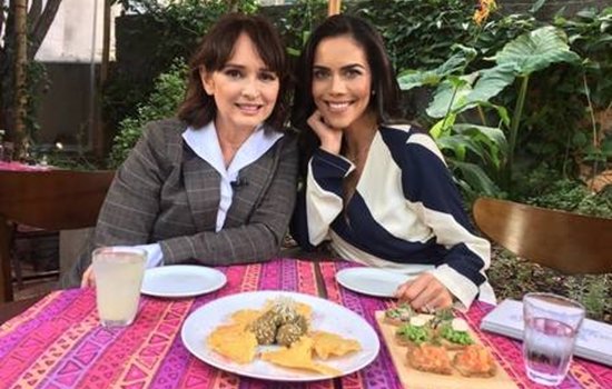 Myrian Rios e Daniela Albuquerque no Sensacional (Foto: Divulgação/RedeTV)