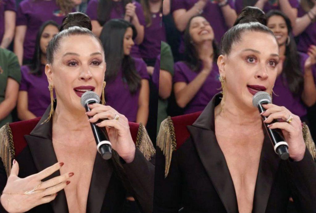 No Domingão do Faustão, Claudia Raia ultrapassa os limites e se expõe (Foto: Reprodução/ Globo)
