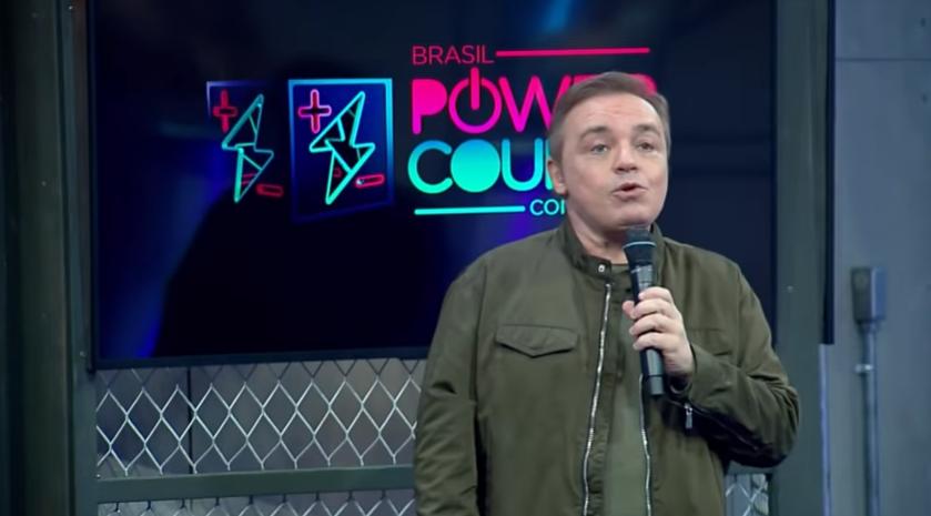 Gugu Liberato na estreia da nova temporada do Power Couple Brasil, na Record. (Foto: Reprodução)