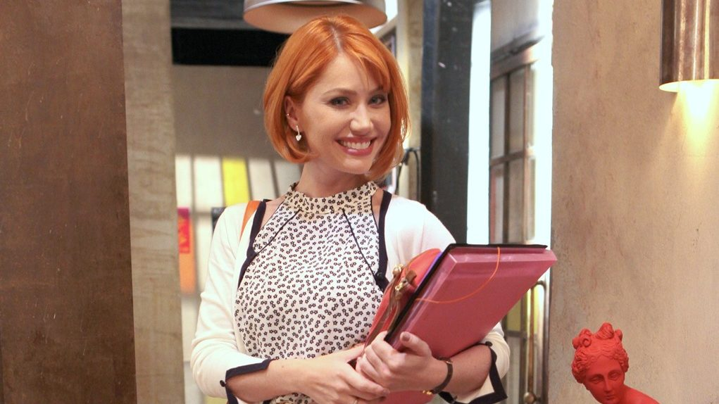 Gaby Petry é a professora Sophie na novela As Aventuras de Poliana do SBT