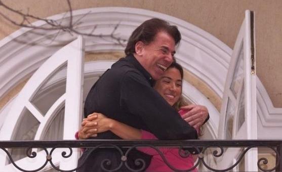 Silvio Santos deu longo abraço em Patricia Abravanel após fim do sequestro