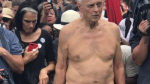 O vereador Eduardo Suplicy marcou presença em manifestação no RJ (Reprodução: Twitter)