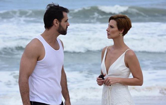 Felipe Cunha (Antonio) e Camila Rodrigues (Sophia) em cena de Topíssima (Foto: Divulgação/Record)