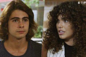 João (Rafael Vitti) será ajudado por sua ex-namorada Moana (Giovana Cordeiro) na novela da Globo Verão 90