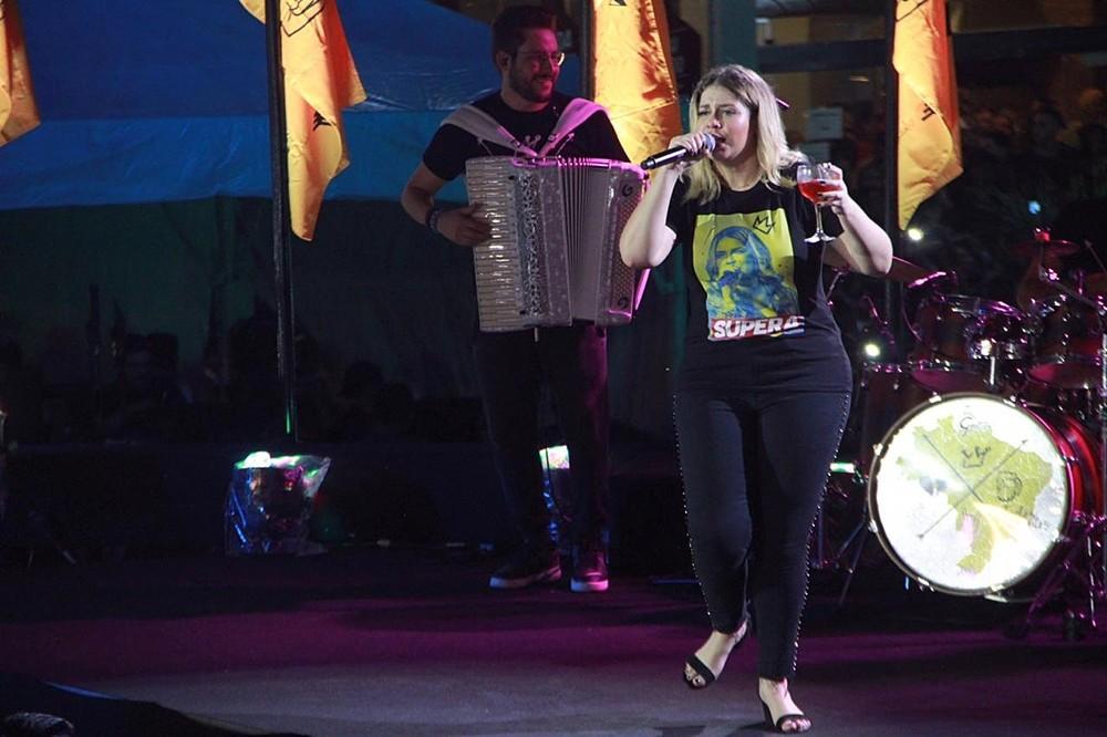Marília Mendonça passou mal durante o show (Foto: Rickardo Marques)