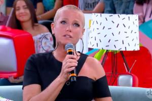 A apresentadora Xuxa Meneghel foi clicada nua (Foto: Reprodução)