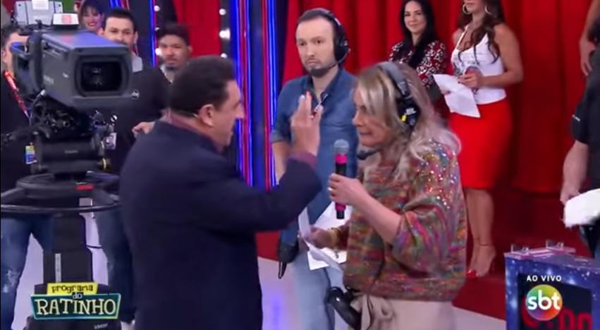 A apresentadora Eliana do SBT fez surpresa ao vivo no palco do Programa do Ratinho, no SBT. (Foto: Reprodução)