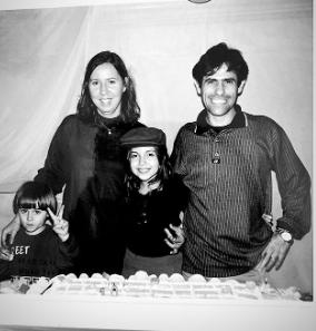 Irmã mais velha do ator do SBT, Rafael Miguel, que foi assassinado junto com os pais, divulga fotos inéditas e fãs se emocionam