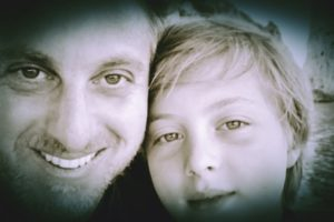 Luciano Huck, apresentador da Globo, e o filho Benício (Reprodução: Instagram)