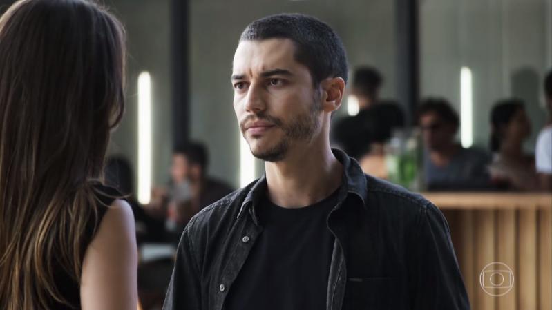 Camilo (Lee Taylor) e Fabiana (Nathalia Dill) em cena de A Dona do Pedaço (Foto: Reprodução/Globo)