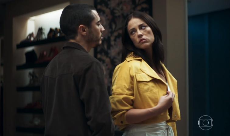 Camilo (Lee Taylor) vai se vingar de Vivi (Paolla Oliveira) após descobrir traição com Chiclete (Sergio Guizé) em A Dona do Pedaço (Foto: Reprodução/Globo)