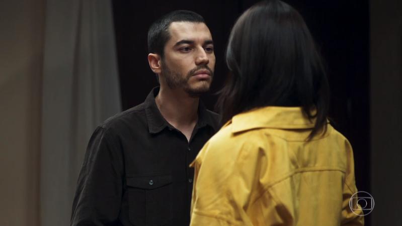 Camilo (Lee Taylor) vai chantagear Vivi (Paolla Oliveira) em A Dona do Pedaço (Foto: Reprodução/Globo)
