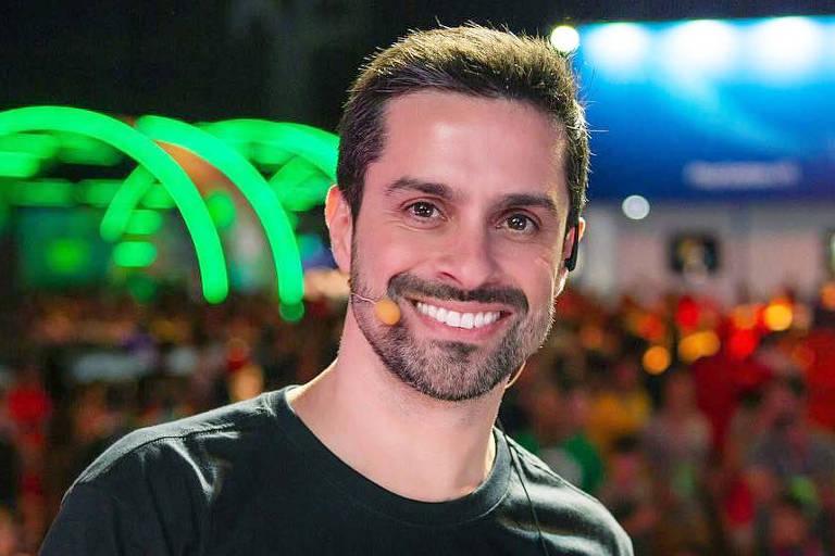 O ator Luciano Amaral, de Castelo Rá-Tim-Bum foi denunciado em rede social e sofreu consequência (Foto: Divulgação)