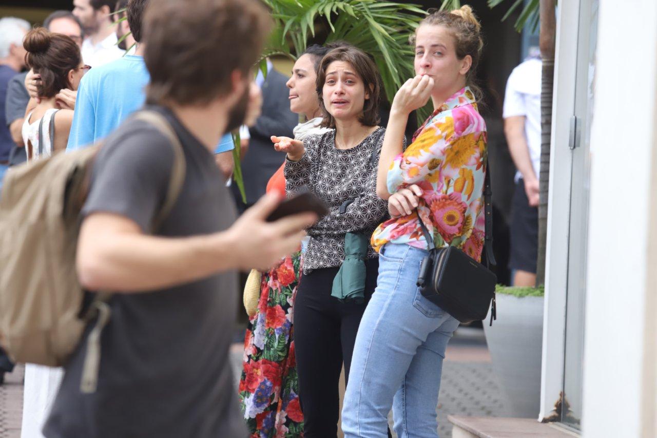 Luisa Arraes no velório da atriz da Globo Foto: Agnews