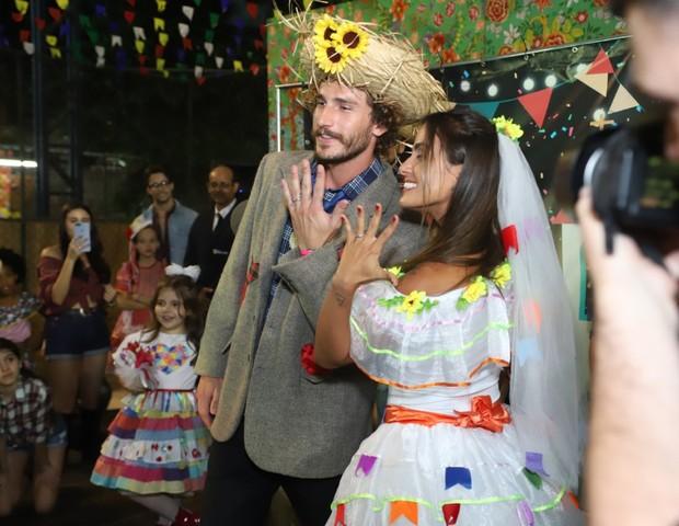 Os ex-BBB19 Carol Peixinho e Alan se casaram (Foto: Daniel Pinheiro/AgNews )