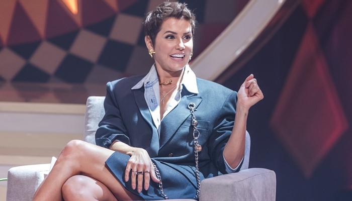 """Deborah Secco é flagrada em momento íntimo com marido em carro: """"Ficaram juntinhos"""" (Foto: Globo/Paulo Belote)"""