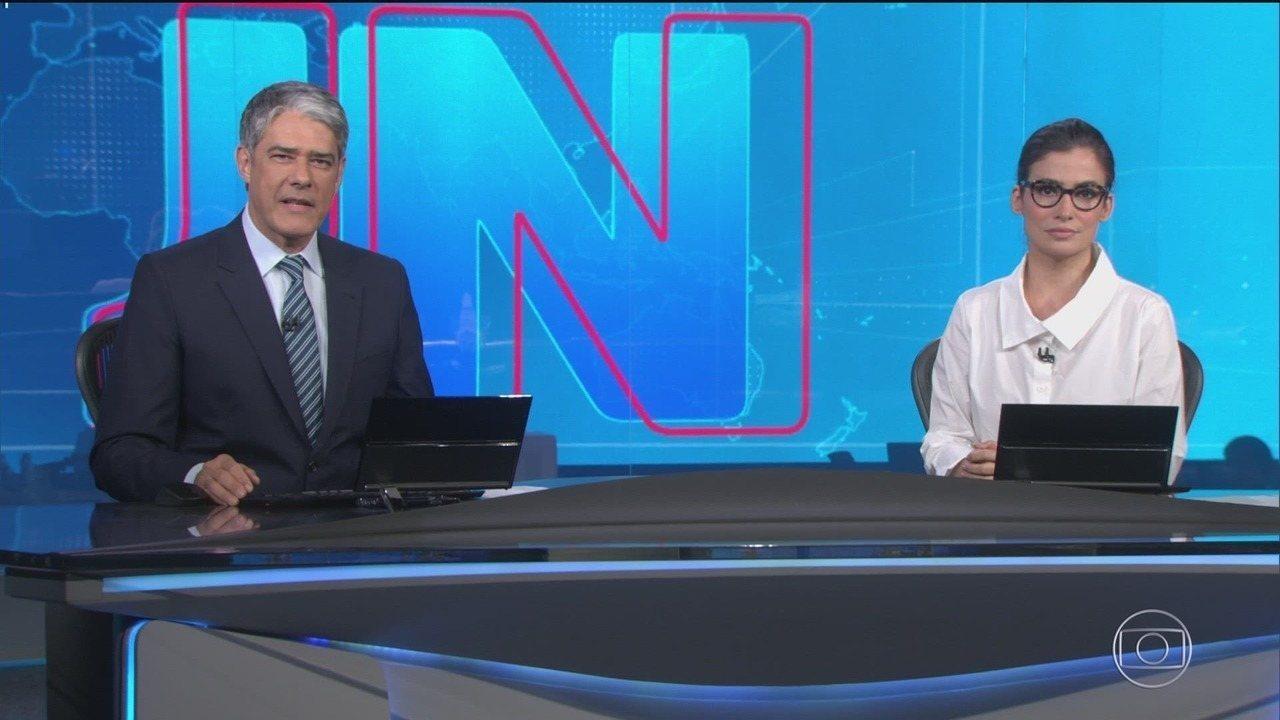 William Bonner e Renata Vasconcellos no Jornal Nacional, principal jornal da Globo; emissora sofreu acusações do jornalista Glenn Greenwald (Foto: Reprodução)