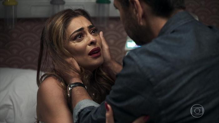 Maria da Paz (Juliana Paes) e Amadeu (Marcos Palmeira) em cena de A Dona do Pedaço (Foto: Reprodução/Globo)