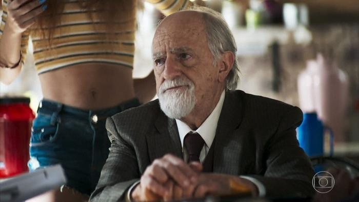 Antero (Ary Fontoura) em A Dona do Pedaço (Foto: Reprodução/Globo)