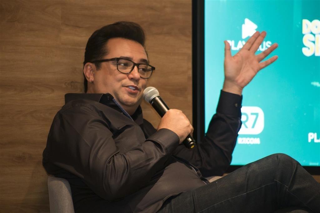 Apresentador do Domingo Show, Geraldo Luis reúne imprensa para apresentação de novo formato de seu programa (AgNews)
