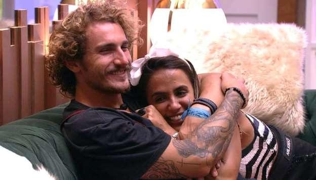 Carol Peixinho e Alan no BBB19 (Foto: Reprodução/ Globo)