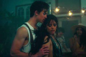 O cantor Shawn Mendes e Camila Cabello lançam novo single e divulgam clipe sensual da música (Foto: Reprodução)