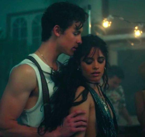 A cantora Camila Cabello talvez esteja se envolvendo com o artista Shawn Mendes (Foto: Reprodução)