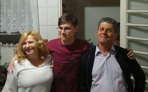 Rafael Miguel e os pais (Foto: Reprodução)