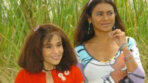 Claudia Rodrigues e Dira Paes em cena no seriado A Diarista - Foto: Reprodução/TV Globo