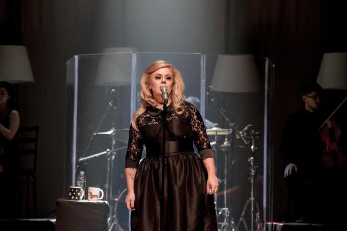 A cantora Stephanie Lii, conhecida como a 'Adele gaúcha', esteve no Encontro com Fátima Bernardes nesta segunda-feira