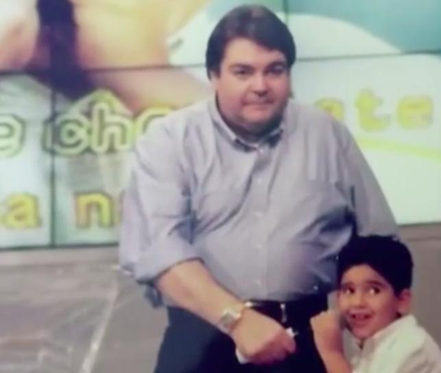Faustão e Kalil Taha na época em que o rapaz trabalhava na TV - Foto: Reprodução