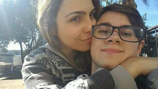Namorada de Rafael Miguel, Isabela Tibcheani, junto ao ex-ator do SBT que participava de Chiquititas (Foto: Reprodução/Instagram)