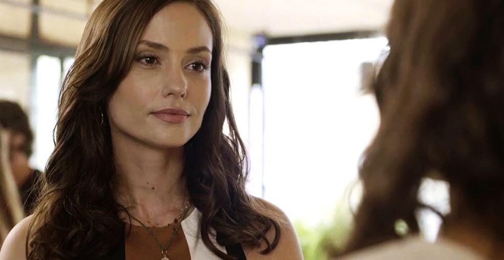 A atriz Rosanne Mulholland é Lara em Malhação Toda Forma de Amar da Globo