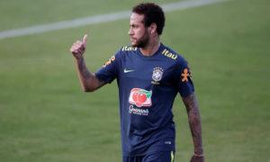 O jogador Neymar recebeu apoio de seus amigos famosos (Foto: Reprodução)