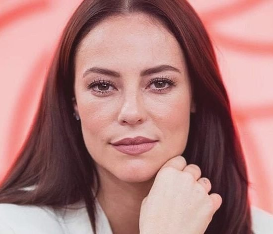 Vivi Guedes (Paolla Oliveira) de A Dona do Pedaço que participou do Encontro Com Fátima Bernardes da Globo