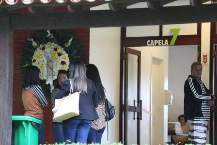 Entrada do velório de Gabi Costa (Foto: Pedro Teixeira / Agência O Globo) Órfãos da Terra