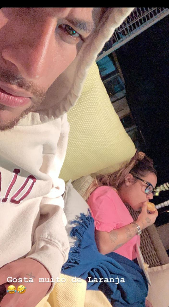 Neymar curti a noite em casa após viver maré de azar em vida pessoal (Foto: Reprodução)