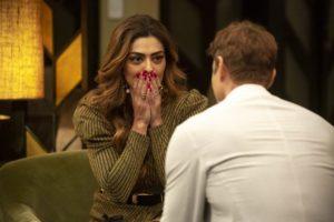 Maria da Paz (Juliana Paes) fica chocada com declaração de Régis (Gianne) em A Dona do Pedaço da Globo