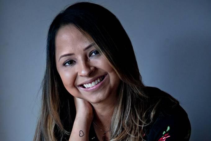 A jornalista Ana Michelle Soares voltou a falar de sua doença em entrevista para a Veja