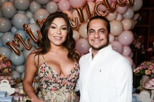 O filho da Gretchen ex-ator da Globo, Thammy Miranda e Andressa Ferreira serão pais de um menino (Foto: Reprodução)