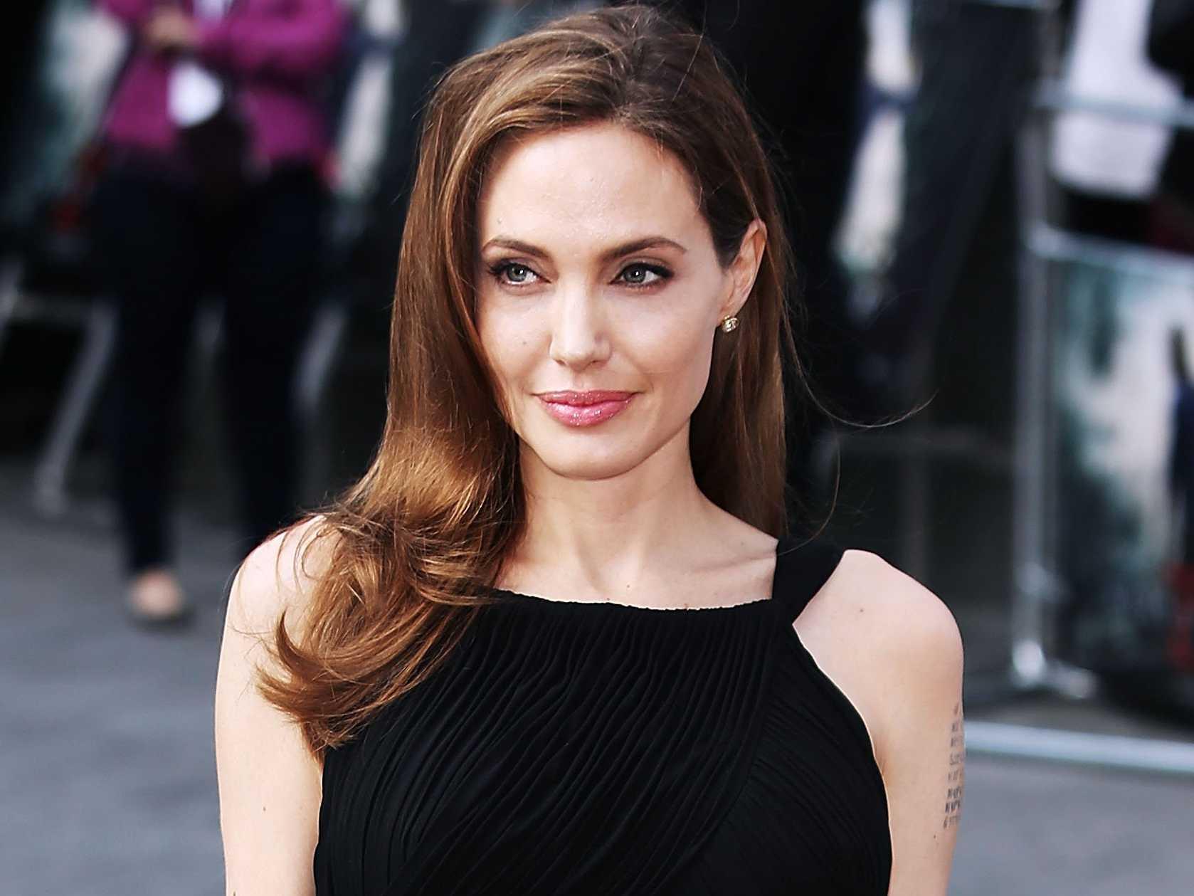 A atriz Angelina Jolie vai ajudar refugiados da Colômbia e Venezuela (Foto: Reprodução)