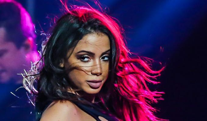 Anitta resolveu passar o bastão para norte -americano (Foto: Reprodução)