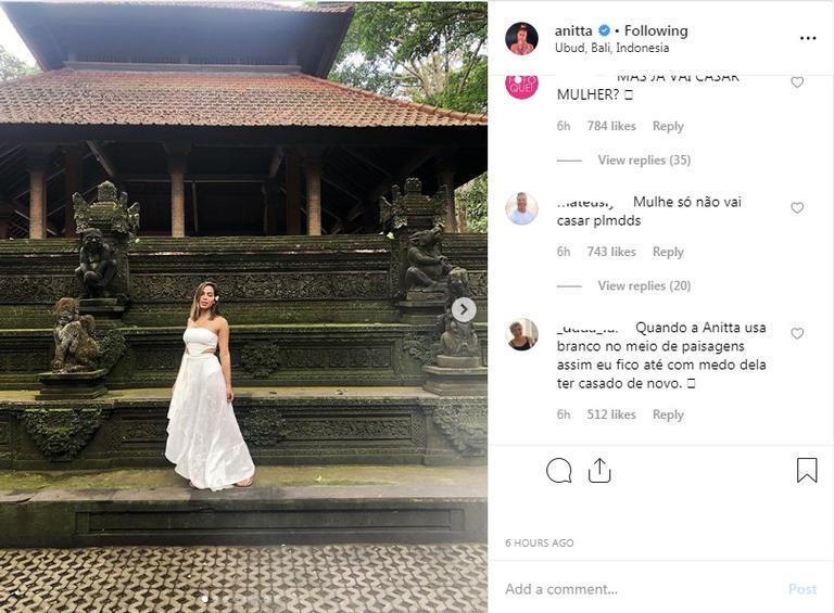 Anitta posa de branco e fãs especulam casamento com Pedro Scooby Foto: Reprodução