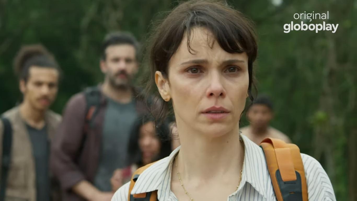 Débora Falabella em Aruanas, série original Globoplay (Foto: Reprodução/Globo)