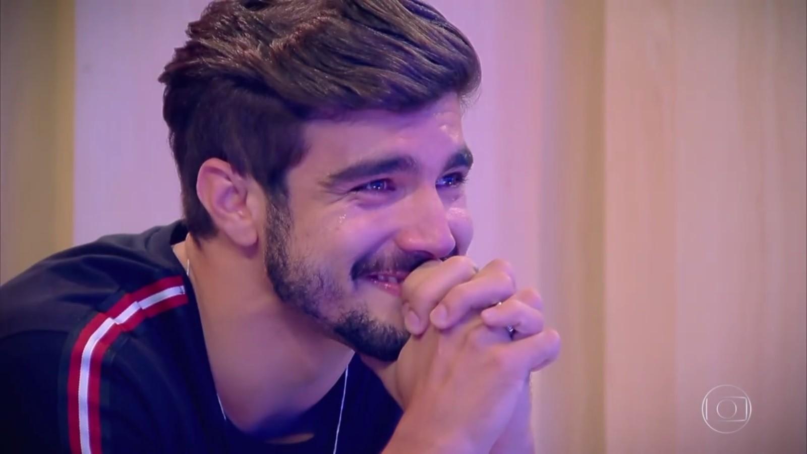 O ator Caio Castro durante o programa Tamanho Família, da Globo (Foto: Reprodução)