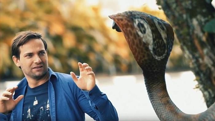Cena da chamada misteriosa com cobra (Foto: Reprodução/SBT)