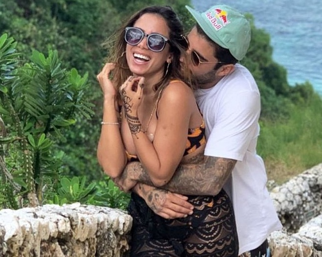 Anitta assumiu romance com Pedro Scooby no último fim de semana