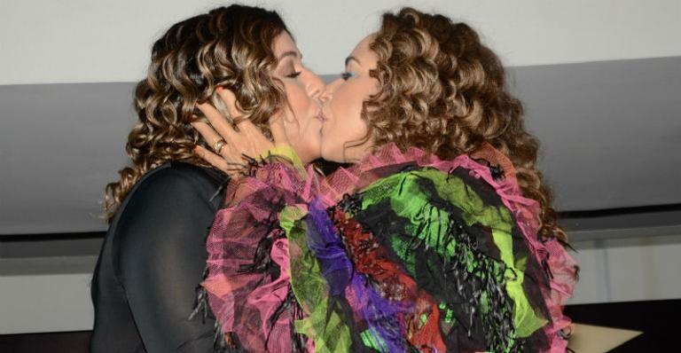 Daniela Mercury e a esposa Malu Verçosa, na Parada LGBTQIA+ (foto: Eduardo Martins / AGNEWS)