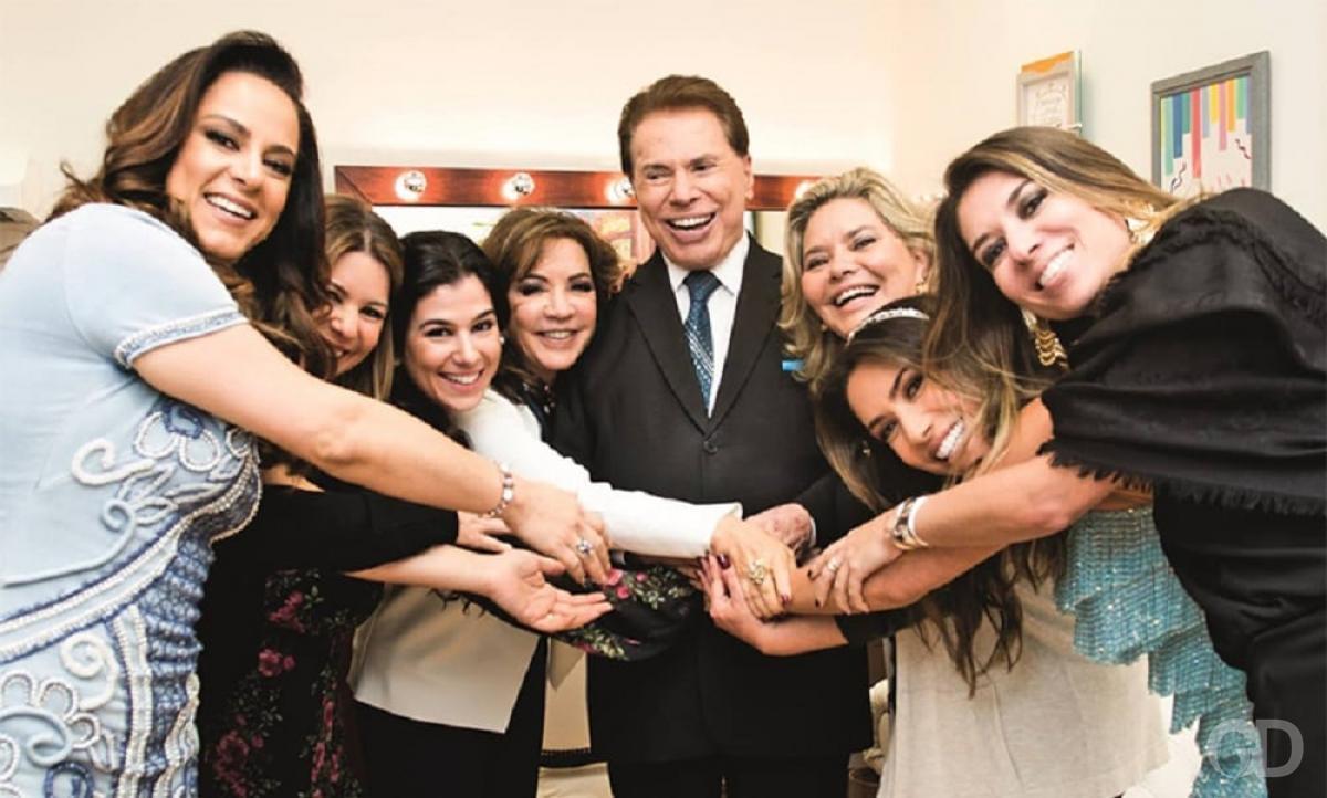 Silvio Santos com as filhas e a esposa, Íris Abravanel (Foto: Reprodução/Instagram)