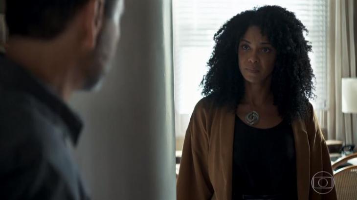 Amadeu e Gilda em cena da novela das 21h da Globo, A Dona do Pedaço (Foto: Reprodução)